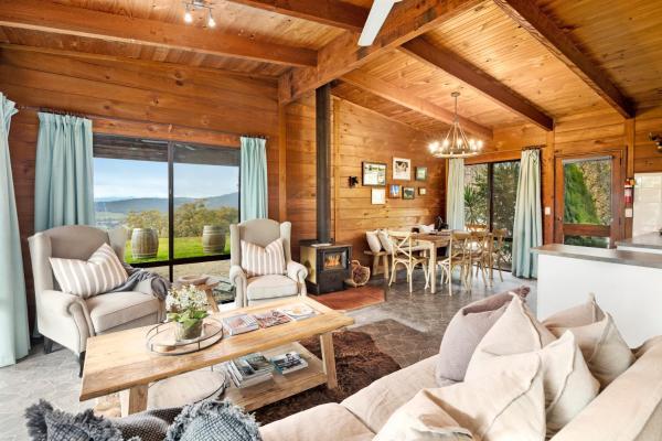 Фотографии отеля: Mt Bellevue Lodge, Myrrhee