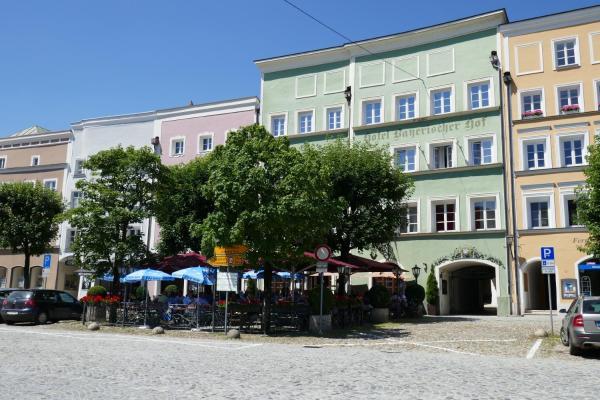 Hotelbilleder: Bayerischer Hof, Burghausen