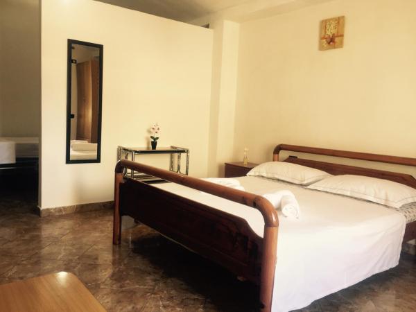 Фотографии отеля: Jazoj Family hotel, Орикум