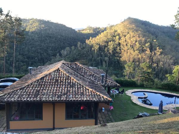 Hotel Pictures: Chale Vista Panoramica, Itaipava