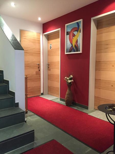 Фотографии отеля: Almandin Apartments, ишгль