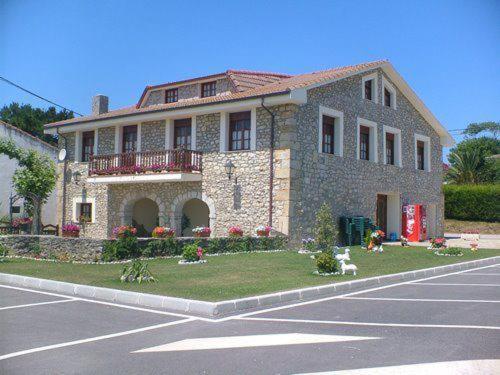 Hotel Pictures: Posada Playa de Langre, Langre