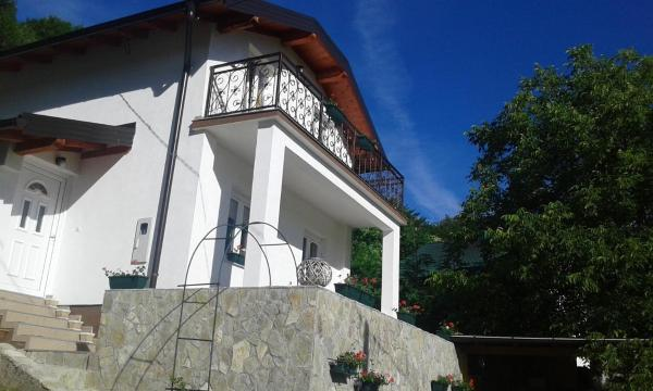 Hotel Pictures: Holiday Home Ena Lohovo, Lohovo