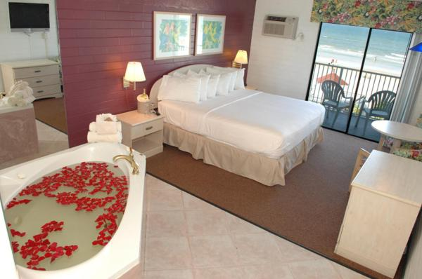 King Room with Spa Bath - Ocean Front