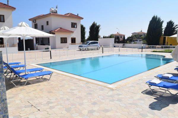 Hotel Pictures: Sunset Family Villas, Ayia Napa