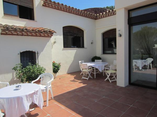 Hotel Pictures: Restaurante y Apartamentos Can Mora, Darnius