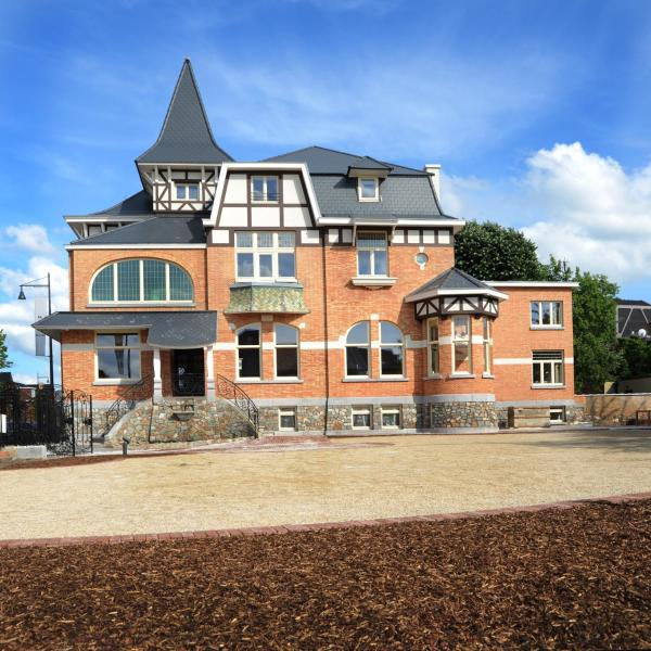 Hotel Pictures: Charmehotel Villa Saporis, Hasselt