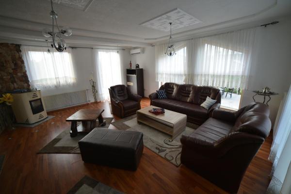 Fotos do Hotel: Japod, Donje Lohovo