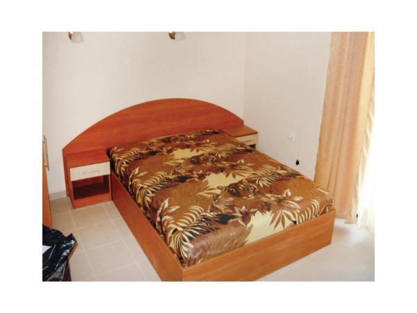 Hotelbilleder: Three-Bedroom Holiday Home in Koscharitsa, Kosharitsa
