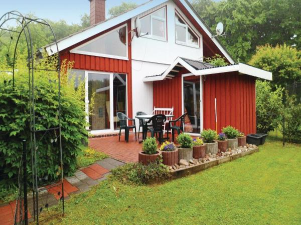 Hotel Pictures: Three-Bedroom Holiday Home in Extertal, Extertal