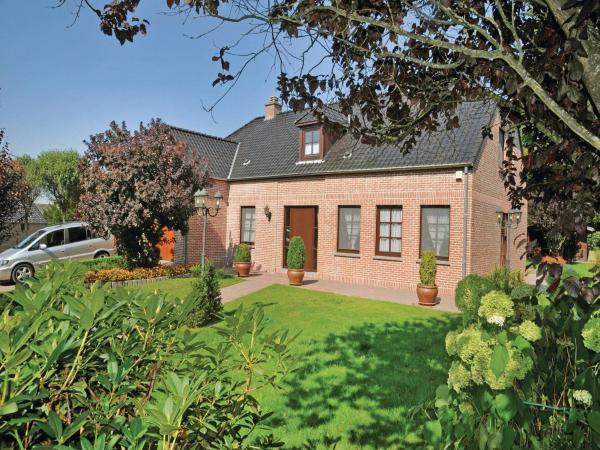 酒店图片: Holiday Home La Porche 01, Havelange