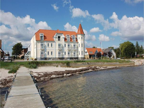 Hotel Pictures: One-Bedroom Apartment Hejls with Sea view 04, Hejls