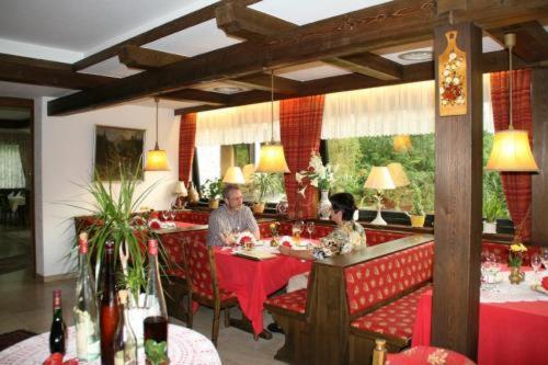 Hotelbilleder: Hotel-Restaurant-Café Ehrich, Schömberg