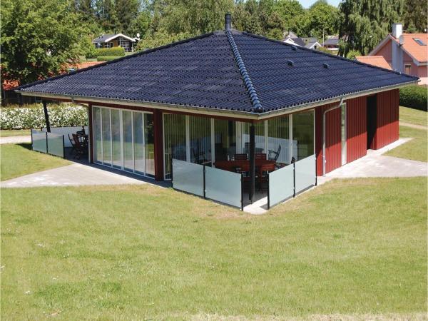 Hotellbilder: Holiday home Rønnebærvænget Hejls XI, Hejls