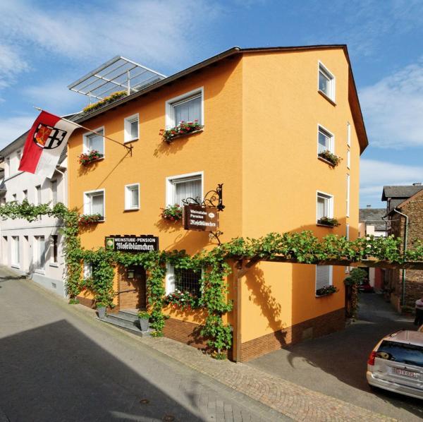 Hotel Pictures: Weinstube Pension Moselblümchen, Zeltingen-Rachtig