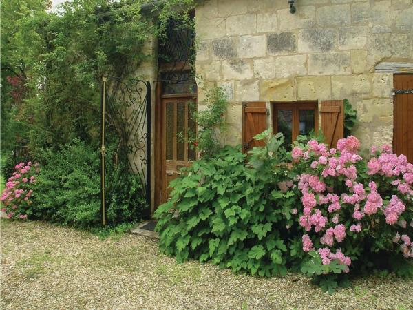 Hotel Pictures: Holiday Home Rue De Piquerat, Saint-Martin-l'Astier