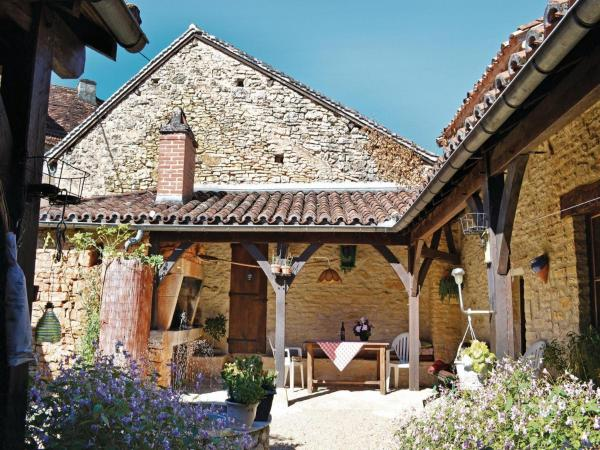 Hotel Pictures: Holiday Home St Pantaly D'Ans Dordogne, La Forge-d'Ans
