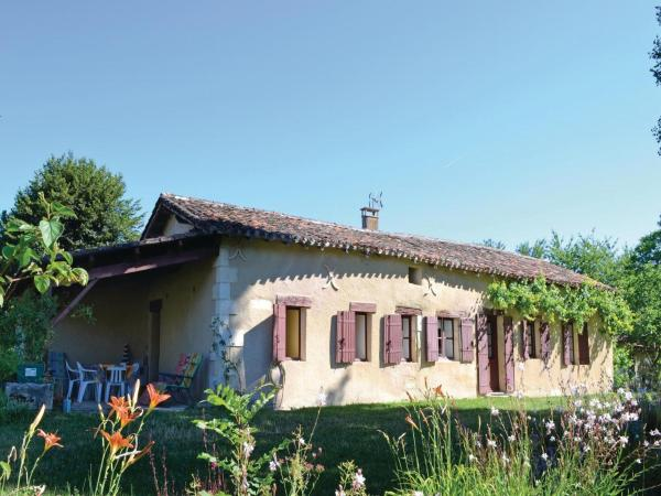 Hotel Pictures: Holiday Home Allee Du Chateau, Sorges