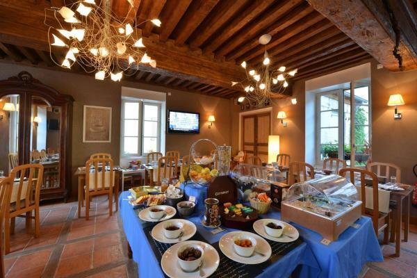 Hotel Pictures: Logis Hotel De La Cote D'or, Semur-en-Auxois