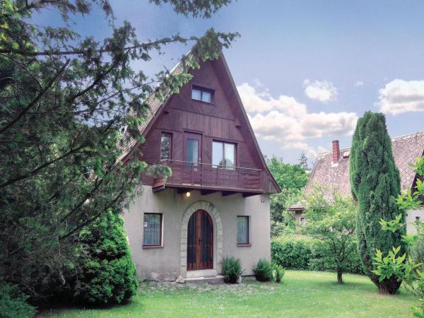 Hotel Pictures: Holiday home Jestrebice Nr., Jestřebice