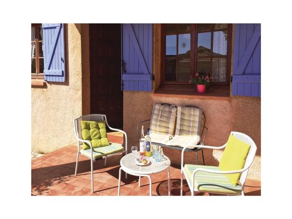 Hotel Pictures: Holiday home rue Marius Cornille, Six-Fours-les-Plages