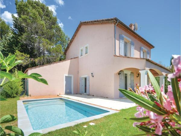 Hotel Pictures: Five-Bedroom Holiday Home in Biot, Biot