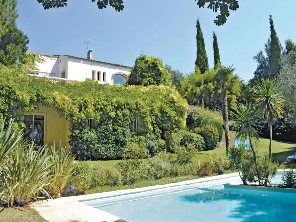 Hotel Pictures: Holiday Home Biot Chemin Des Soullieres, Biot