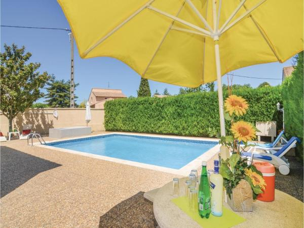 Hotel Pictures: Two-Bedroom Holiday Home in Codognan, Codognan