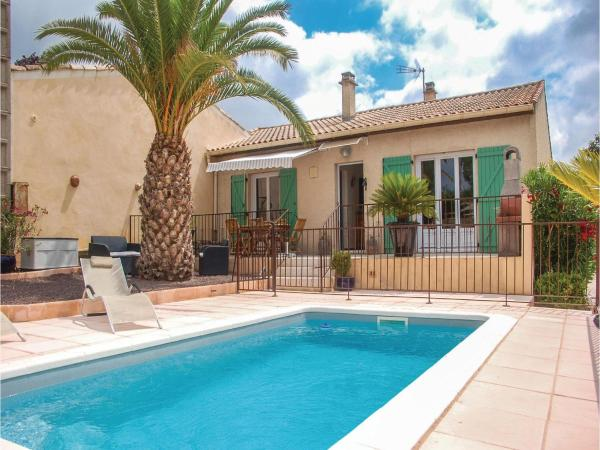 Hotel Pictures: Three-Bedroom Holiday Home in Tourbes, Tourbes