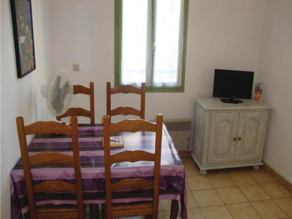 Hotel Pictures: Holiday Apartment Baixas 02, Baixas
