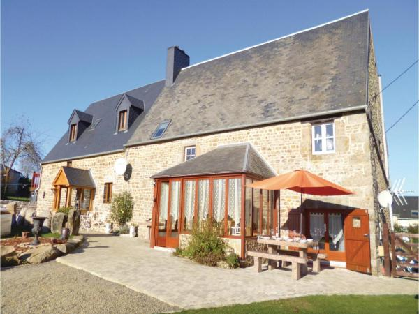 Hotel Pictures: Five-Bedroom Holiday Home in Roullours, Roullours