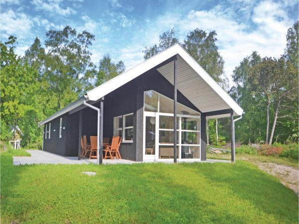 Hotel Pictures: Three-Bedroom Holiday home with a Fireplace in Hadsund, Helberskov