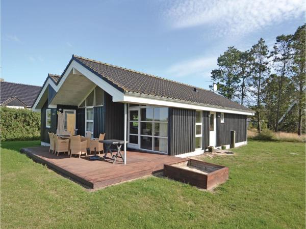 Hotel Pictures: Holiday home Halvrebene Hadsund I, Als
