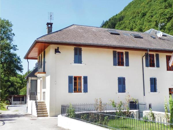 Hotel Pictures: Apartment Faverges 11, Faverges
