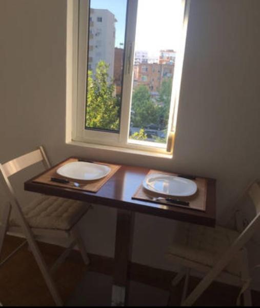 Фотографии отеля: Bright apartment in Tirana, Тирана