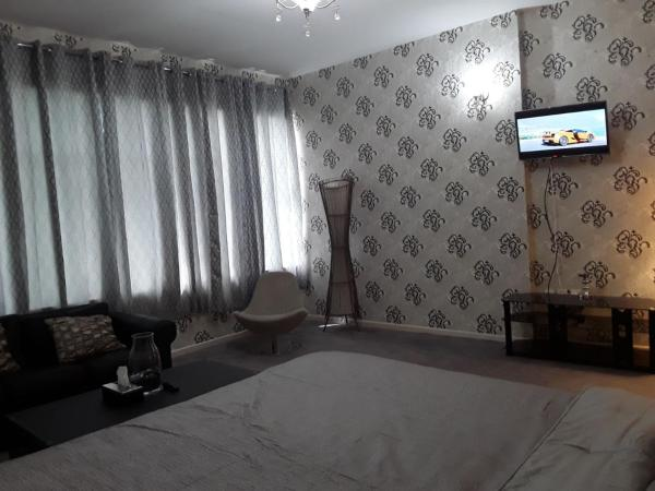 Фотографии отеля: Studio Apartment in Ajman, Аджман