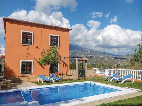 Hotel Pictures: Three-Bedroom Holiday Home in La Vinuela, Malaga, Viñuela