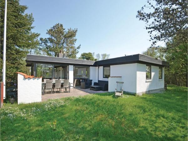 Hotel Pictures: Three-Bedroom Holiday home Thyholm with a Fireplace 06, Sønder Ydby