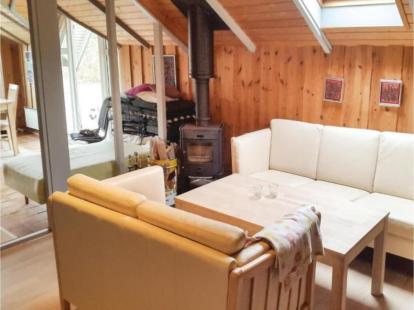 Hotel Pictures: Three-Bedroom Holiday Home in Thyholm, Thyholm