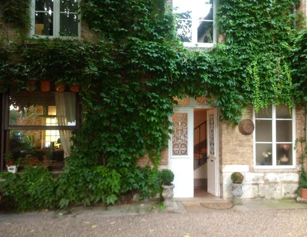 Hotel Pictures: Chambres D'Hôtes La Villa Aliénor, Les Andelys