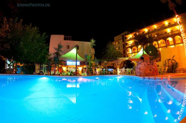 Hotel Pictures: Mini Golf Apartments, Canyamel