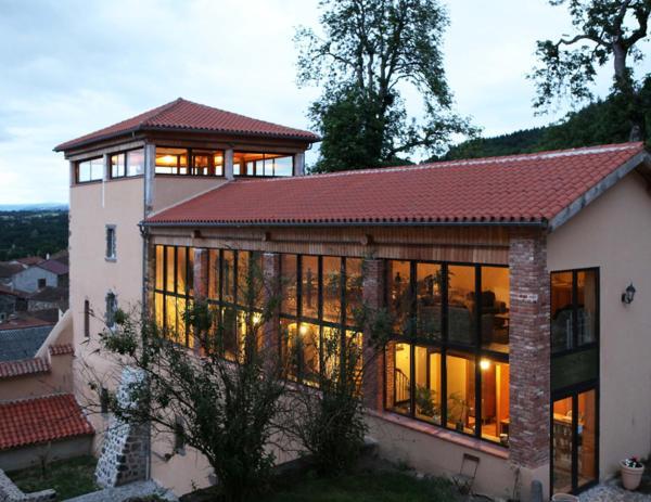 Hotel Pictures: Relais du Silence Domaine Saint Roch, Salzuit