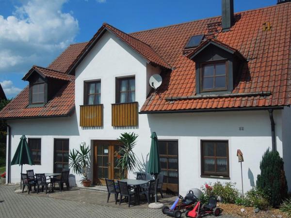 Hotel Pictures: Ferienwohnung Scherr, Neunburg vorm Wald