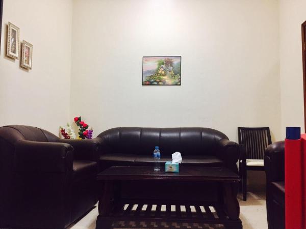 Фотографии отеля: Abu Bader Apartment, Аджман