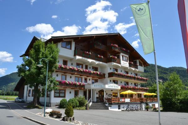 Foto Hotel: Hotel Neuwirt, Kirchdorf in Tirol