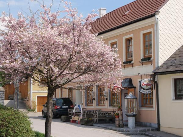 Фотографии отеля: Gasthof zur Kirche, Kottes