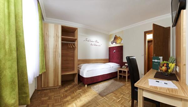 Foto Hotel: Biergasthof Riedberg, Ried im Innkreis