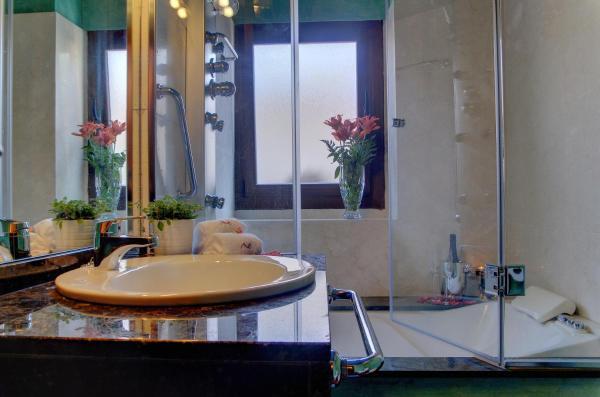 Superior Apartment with Hot Tub