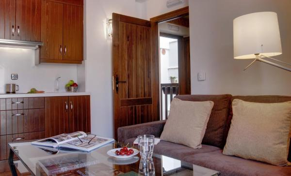 Executive Apartment with Shower and Alhambra Views