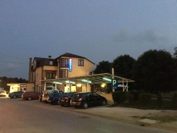 酒店图片: Motel Otoka, Donji Vakuf